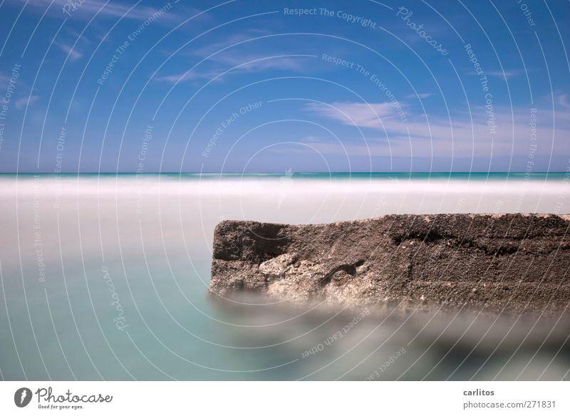 und es bewegt sich doch Himmel Natur blau Wasser Ferien & Urlaub & Reisen weiß Meer ruhig Umwelt Ferne Bewegung Küste Horizont Felsen Wellen Zufriedenheit