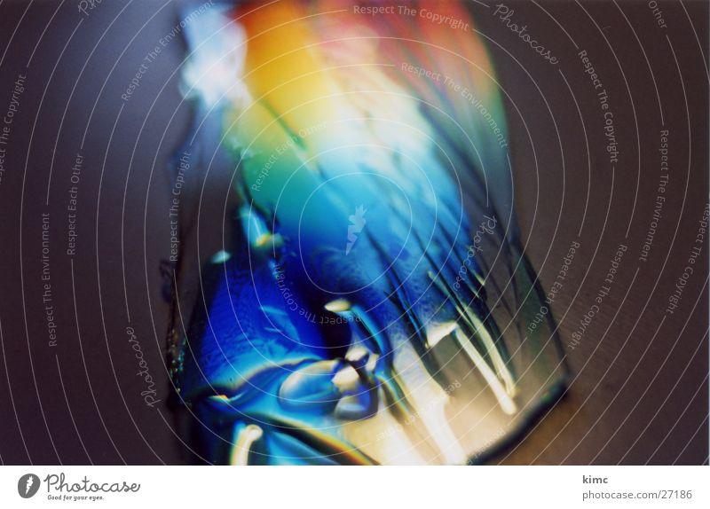 gebrochen #2 Spektralfarbe Compact Disc gesplittert DVD-ROM Regenbogen mehrfarbig Makroaufnahme Nahaufnahme