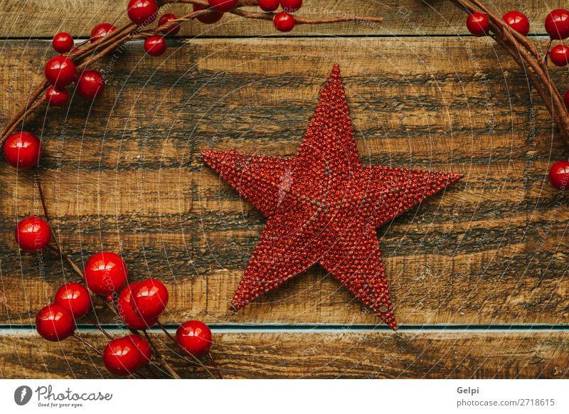 Roter Weihnachtsstern mit Beerenzweig Frucht Design Freude Glück schön Winter Dekoration & Verzierung Feste & Feiern Weihnachten & Advent Ornament Kugel