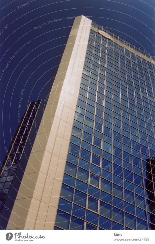 hoch hinaus Fenster Gebäude Architektur Hochhaus Perspektive Skyline Frankfurt am Main