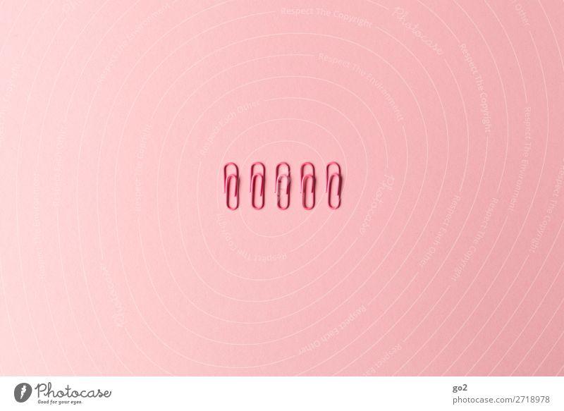 Ordnung muss sein Büroarbeit Schreibwaren Büroklammern ästhetisch rosa diszipliniert Ordnungsliebe Genauigkeit Präzision Farbfoto Innenaufnahme Studioaufnahme