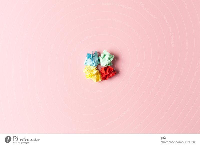 Bunte Papierknäuel Basteln Büroarbeit Medienbranche Werbebranche Printmedien Schreibwaren Zettel ästhetisch mehrfarbig Wut Ärger Frustration Enttäuschung Farbe