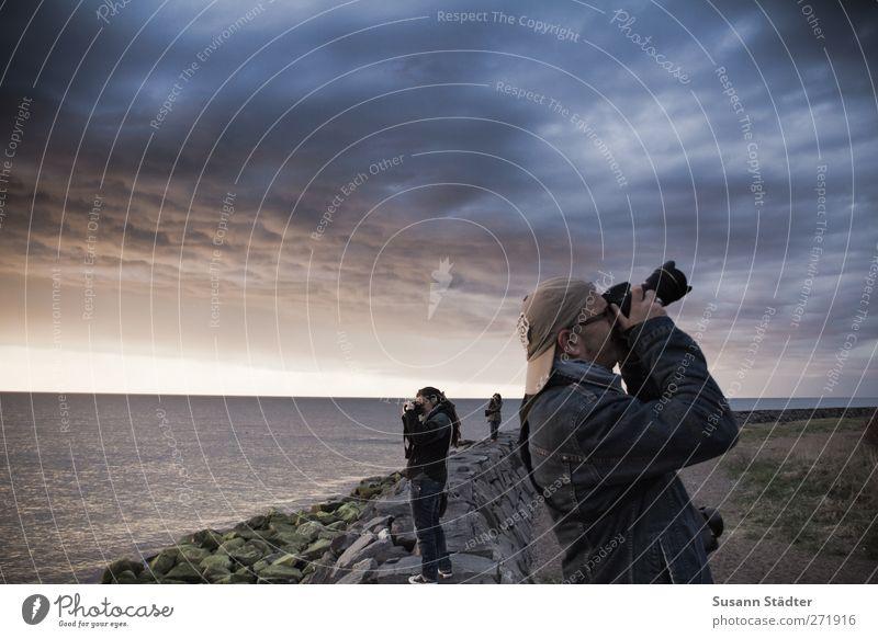 Hiddensee | ansichtssache. Mensch Himmel Mann Jugendliche Ferien & Urlaub & Reisen Wolken Erwachsene Ferne Leben Freiheit Stein Menschengruppe Freundschaft