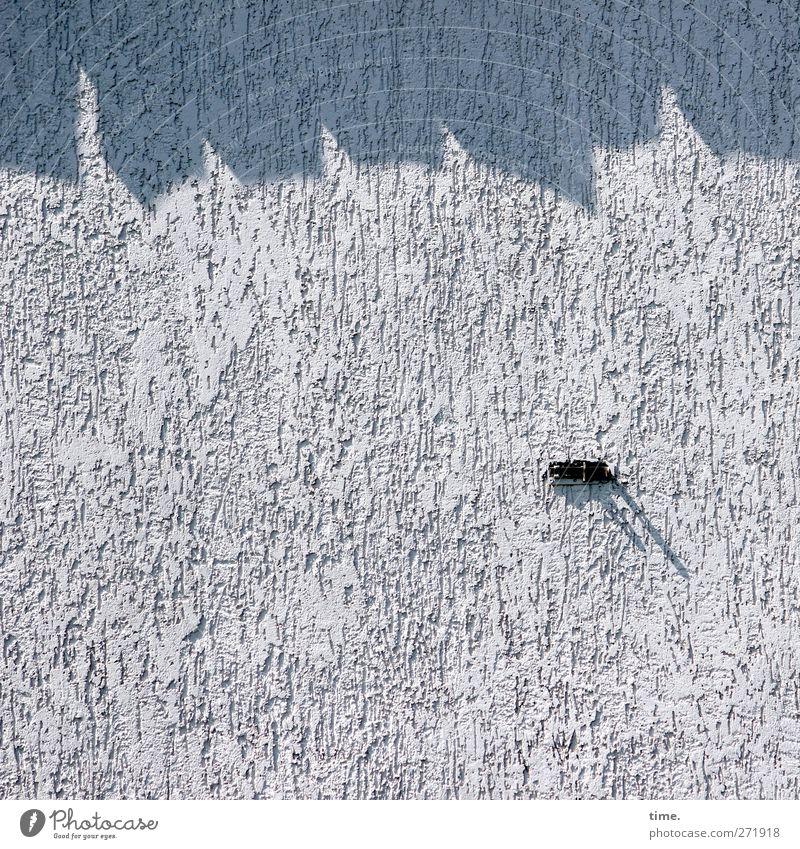 Hiddensee | Viertelschatten mit Dingsbums Haus Wand Mauer Fassade Ordnung Kontrolle Halterung