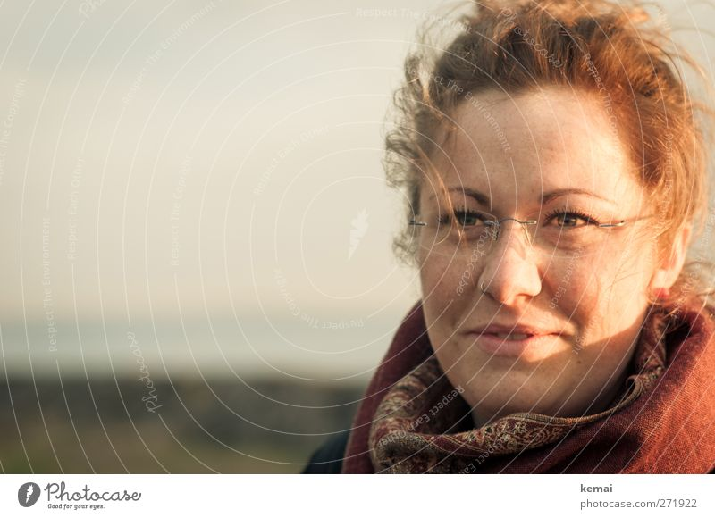 Hiddensee | Sonnensusann Mensch Jugendliche schön Freude Gesicht Erwachsene Auge feminin Leben Haare & Frisuren Kopf Stimmung Junge Frau Zufriedenheit blond Wind