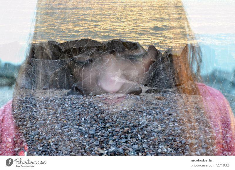 Hiddensee | Zerbrechlich Jugendliche Ferien & Urlaub & Reisen schön Meer Einsamkeit Gesicht Erwachsene feminin Küste Haare & Frisuren Stein Traurigkeit träumen Junge Frau Wellen Felsen