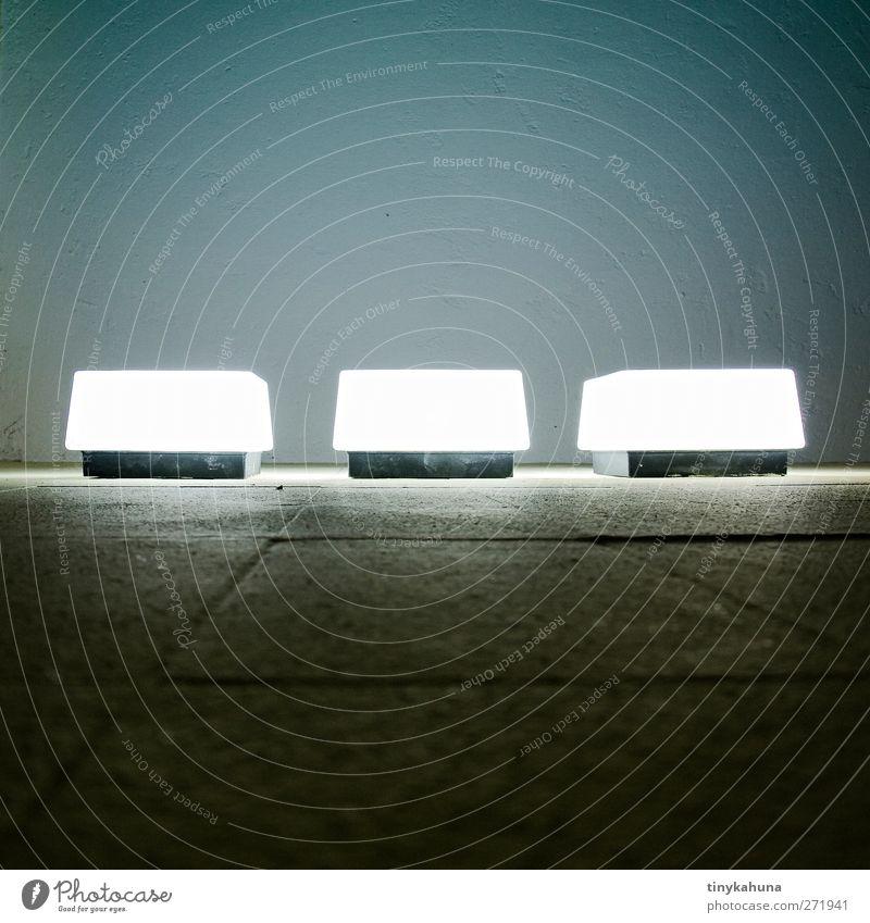 □ □ □ Wand Mauer Lampe Glas Ordnung türkis Surrealismus