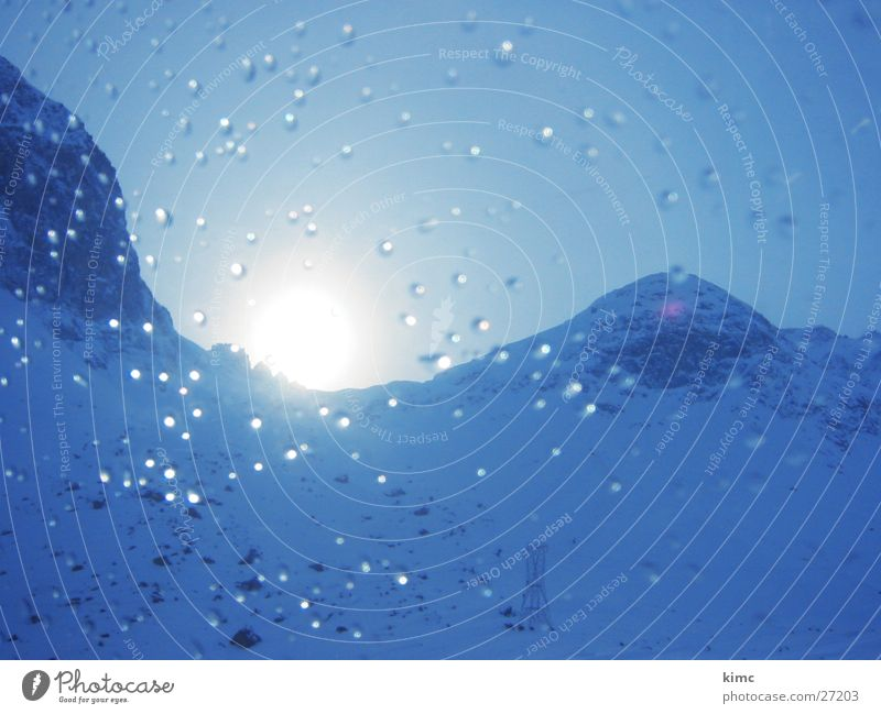 erwachende Sonne Himmel blau Schnee Berge u. Gebirge Wassertropfen Alpen