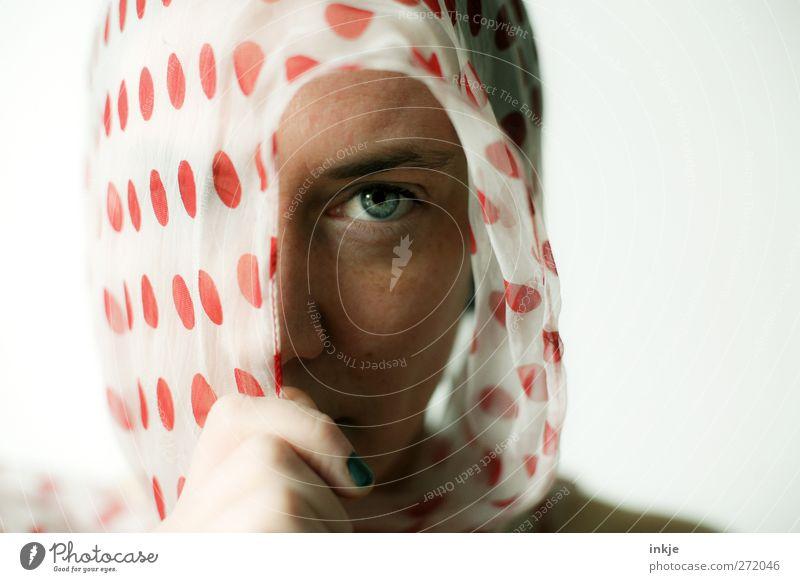 Erzähl mir nichts von Liebe. schön Gesicht Frau Erwachsene Leben Auge Frauengesicht 1 Mensch 30-45 Jahre Kopftuch Blick feminin Gefühle Stimmung