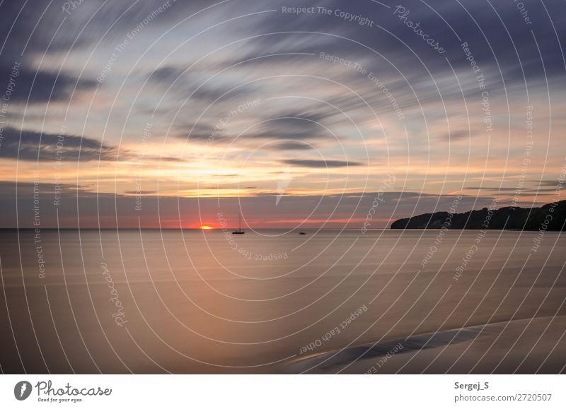 Ein Segelboot vor dem Binzer Strand Ferien & Urlaub & Reisen Abenteuer Ferne Meer Natur Landschaft Luft Wasser Himmel Wolken Sonnenaufgang Sonnenuntergang