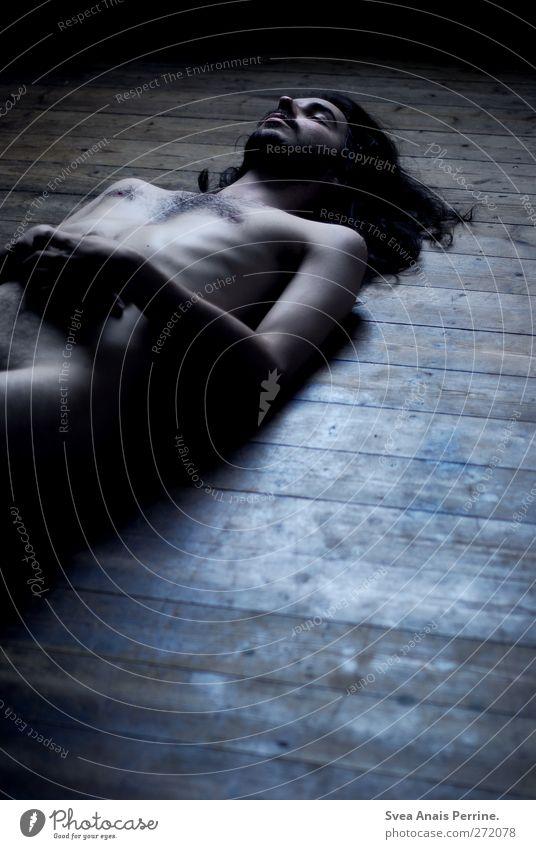 mir steht der sinn, nach nichts zumute. maskulin Junger Mann Jugendliche Körper Brust Bauch 1 Mensch 18-30 Jahre Erwachsene Holzfußboden Boden brünett
