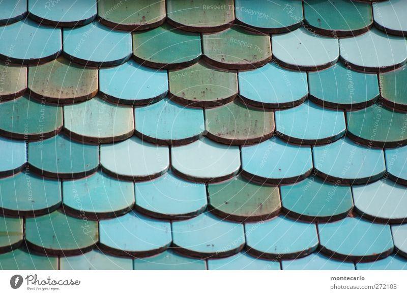 Des Pfarrers Vordach blau Haus verrückt authentisch Dach einfach Kreativität Dorf Backstein türkis silber bevölkert