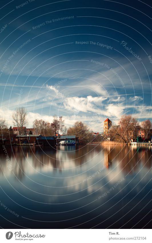 Blaues Rostock Himmel blau Wasser Stadt Wolken Kirche Schönes Wetter Fluss Hafen Flussufer