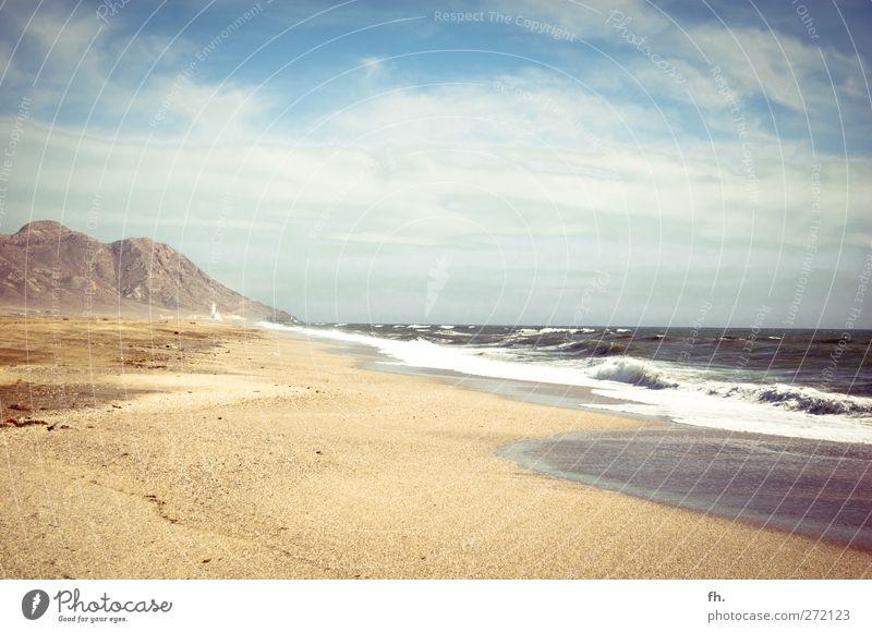 Auszeit Urelemente Sand Wasser Himmel Sommer Klima Schönes Wetter Dürre Felsen Berge u. Gebirge Cabo de Gata Wellen Küste Strand Meer Mittelmeer Oase Ferne