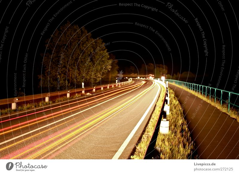 B96 bei Nacht Verkehr Verkehrsmittel Verkehrswege Personenverkehr Straßenverkehr Autofahren Fahrzeug PKW Stein leuchten Außenaufnahme Kunstlicht Licht