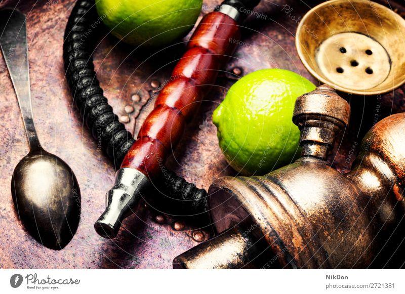 Türkische Wasserpfeife mit Aroma Limette Wasserpfeifenrauch shisha Zitrone Kalk Zitrusfrüchte Geschmack von Limette Rauchen Tabak nargile Nikotin Osten Erholung