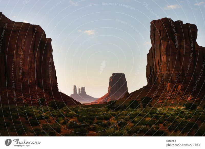 monument valley Natur Landschaft Erde Sand Sonnenaufgang Sonnenuntergang Schönes Wetter Wind Dürre Sträucher Felsen Monyment Vally Arizona USA Amerika