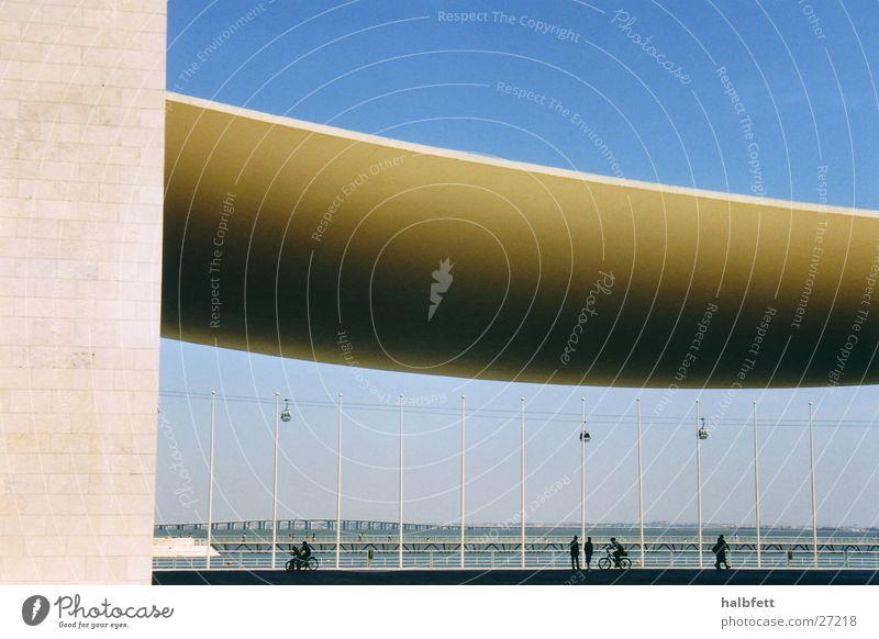 Lissabon05 Haus Architektur Zukunft rund Portugal Weltausstellung