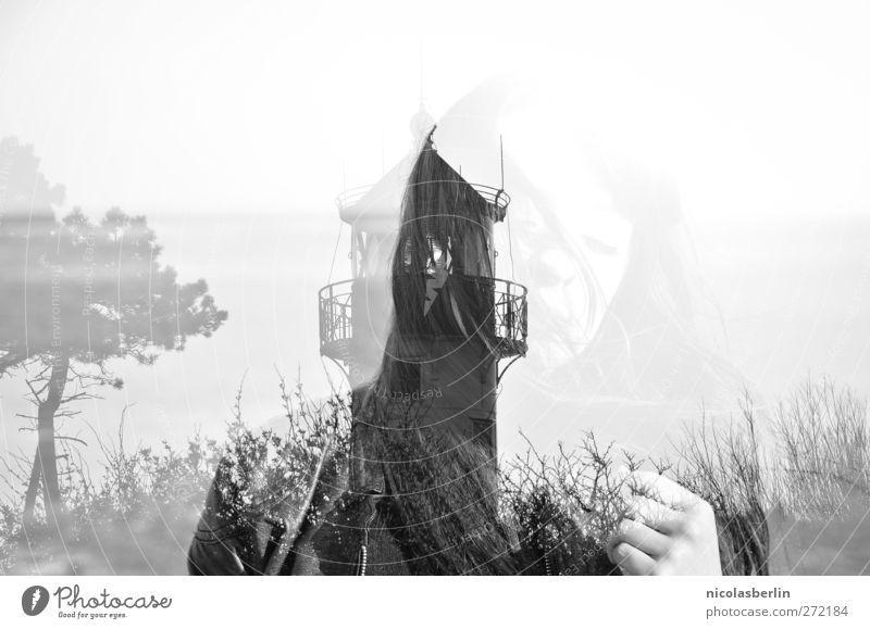 Hiddensee | Montags Portrait | Ghosts Mensch Natur Jugendliche Ferien & Urlaub & Reisen Baum Erwachsene Ferne feminin Gras Freiheit Traurigkeit träumen Junge Frau Horizont wild 18-30 Jahre