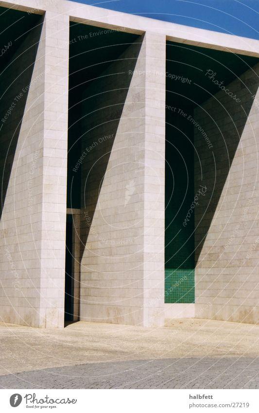 lissabon_06 Lissabon Messe Architektur Schatten Stein Denkmal Weltausstellung