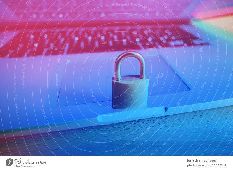 Notebook mit Schloss als Symbol für die Verschlüsselung gdpr Allgemeine Datenschutzbestimmungen Business Konformität Computer Textfreiraum
