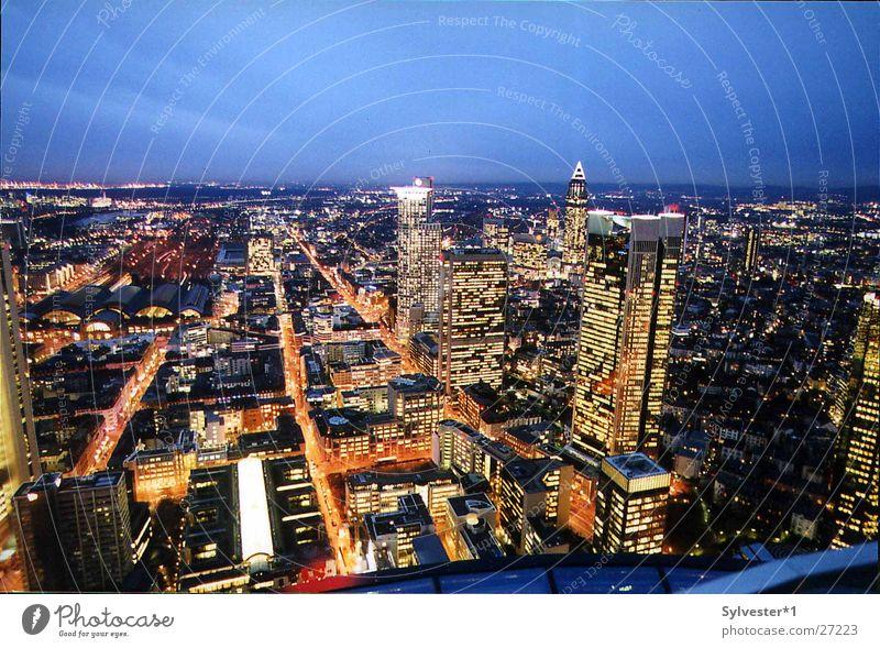 Skyline_Frankfurt Beleuchtung Deutschland Hochhaus Europa Frankfurt am Main