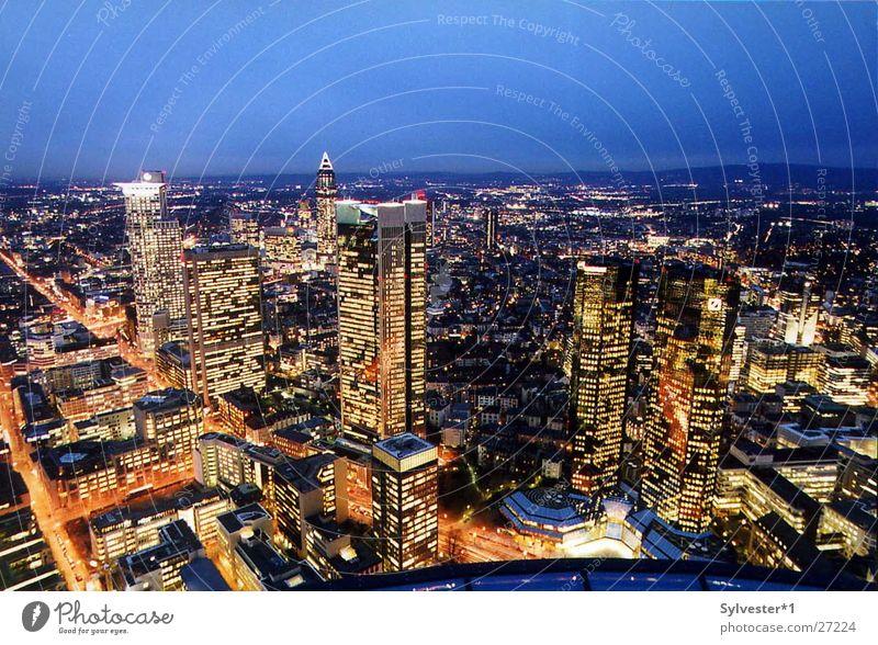 Skyline_Frankfurt Frankfurt am Main Beleuchtung Hochhaus Europa Abend