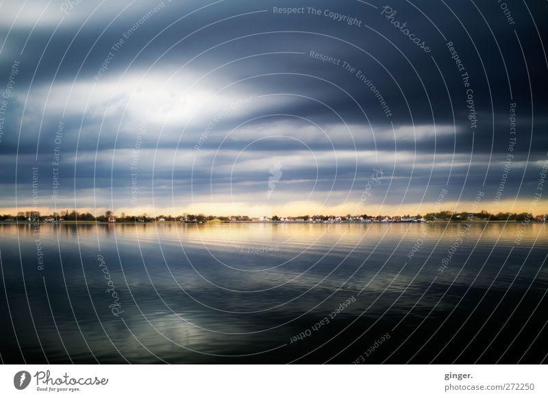 Hiddensee | Wie ein Traum Umwelt Natur Landschaft Wasser Himmel Sonnenlicht Frühling schlechtes Wetter Wellen Küste Ostsee Meer dunkel blau Streifen Wolken
