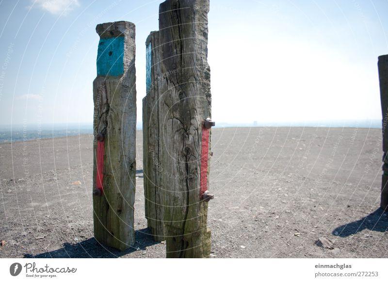 Frohe Aussicht! Abenteuer Ferne Freiheit wandern Kunst Kunstwerk Skulptur Kultur Landschaft Erde Himmel Wolkenloser Himmel Horizont Sommer Hügel Halde Haniel