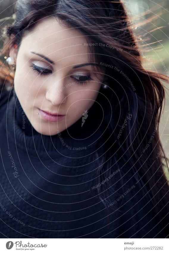 be feminin Junge Frau Jugendliche Kopf Haare & Frisuren Gesicht 1 Mensch 18-30 Jahre Erwachsene brünett langhaarig schön Farbfoto Außenaufnahme Tag Porträt