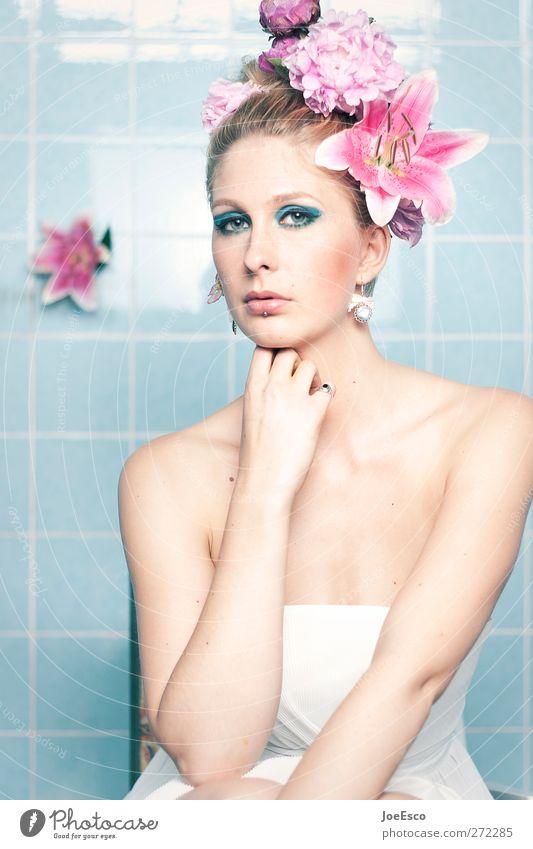 #215657 Lifestyle Stil schön Frau Erwachsene Gesicht Mensch 18-30 Jahre Jugendliche Blume Blüte Mode Accessoire Schmuck Haare & Frisuren beobachten Erholung