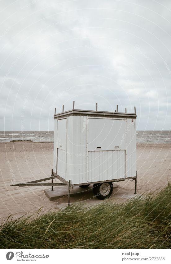 Seasons End Ferien & Urlaub & Reisen Tourismus Sommerurlaub Wolken Herbst schlechtes Wetter Küste Strand Ostsee Holz Erholung frieren warten kalt maritim trist