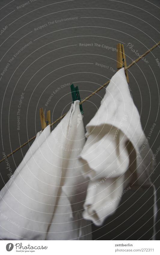 Wäsche Raum Wohnung Häusliches Leben Bekleidung Stoff Bad hängen Wäsche Unterwäsche trocknen Wäscheleine Dachboden Klammer Windeln Babywäsche