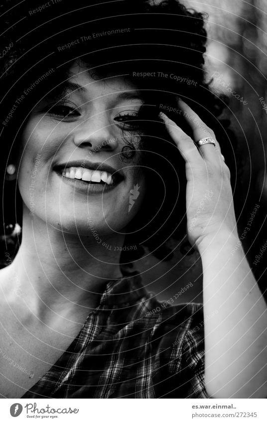 pretty genius Mensch Jugendliche schön Freude Erwachsene feminin Erotik Glück lachen Gesundheit Zufriedenheit außergewöhnlich natürlich 18-30 Jahre frisch