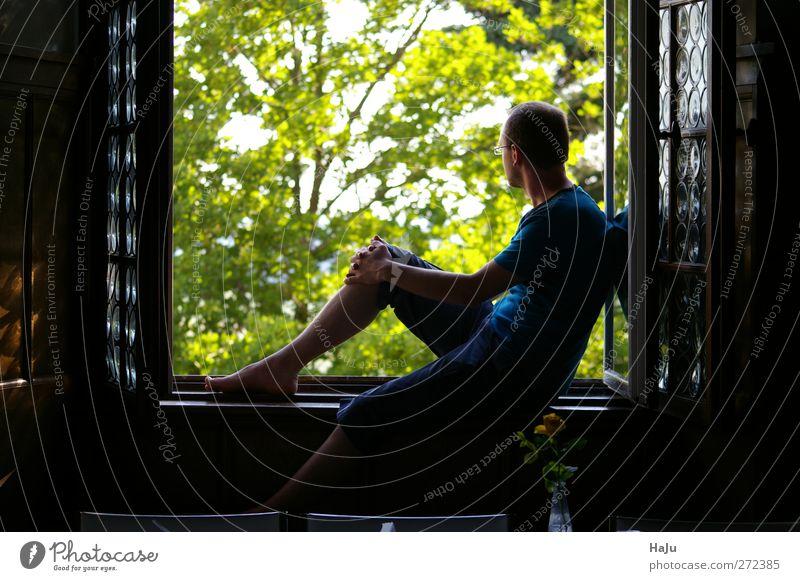 Sehnsucht Mensch Natur Jugendliche Ferien & Urlaub & Reisen grün Sommer Erwachsene Erholung Ferne Gefühle träumen Stimmung Junger Mann warten maskulin