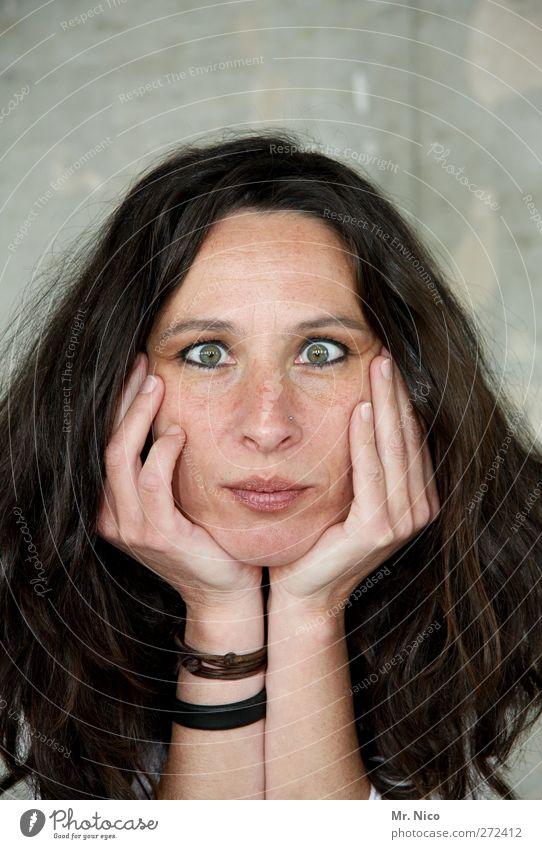 (o o) feminin Frau Erwachsene Kopf Haare & Frisuren Gesicht Auge Mund Hand Finger 30-45 Jahre langhaarig frech schön verrückt Freude Gesichtsausdruck Grimasse