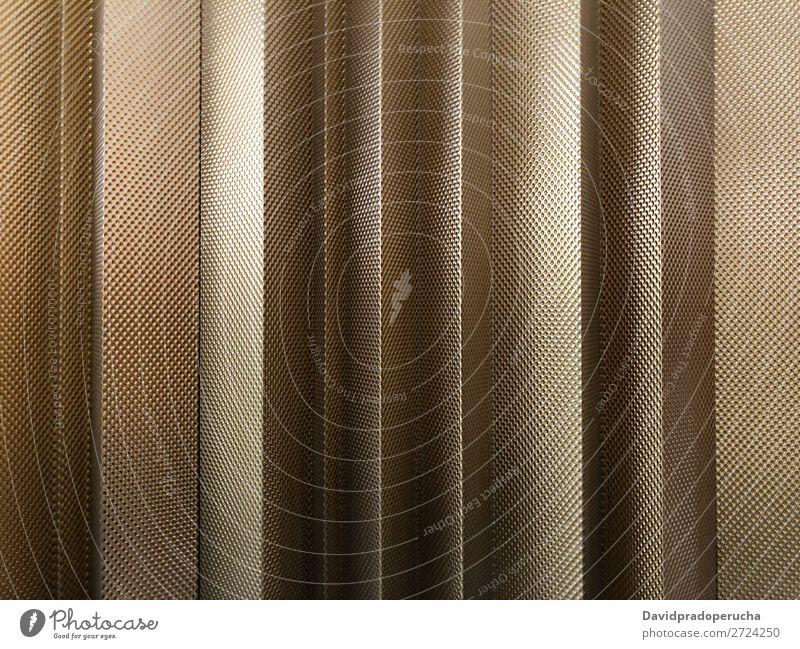 Gold Metall Wandhintergrund Leichtmetall rostfrei Eisen Stahl Design grau Muster Konsistenz Hintergrundbild Glanz industriell Teller abstrakt vertikal