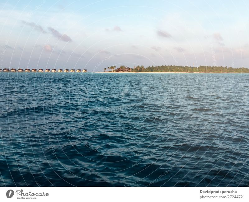 Malediven Insel Luxusresort Ferien & Urlaub & Reisen Lagune Idylle Reichtum Küste tropisch