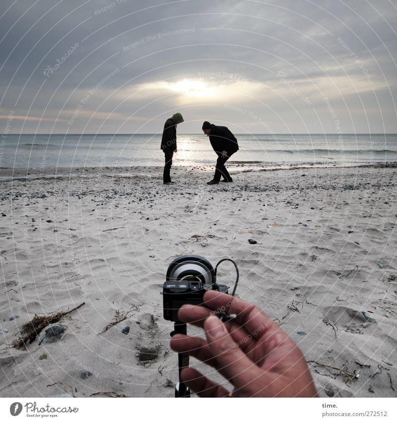 Hiddensee   Auftragsarbeit Mensch Himmel Hand Strand Wolken Erwachsene Umwelt Bewegung Küste Horizont Körper Zufriedenheit Kindheit maskulin stehen Finger
