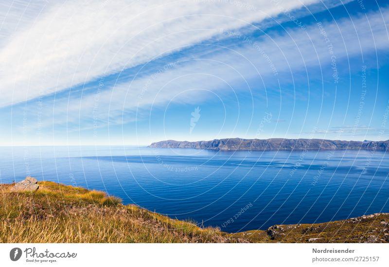Blick auf das norwegische Westkap Himmel Ferien & Urlaub & Reisen Natur Sommer blau Wasser Landschaft Meer Wolken Ferne Berge u. Gebirge Küste Gras Tourismus