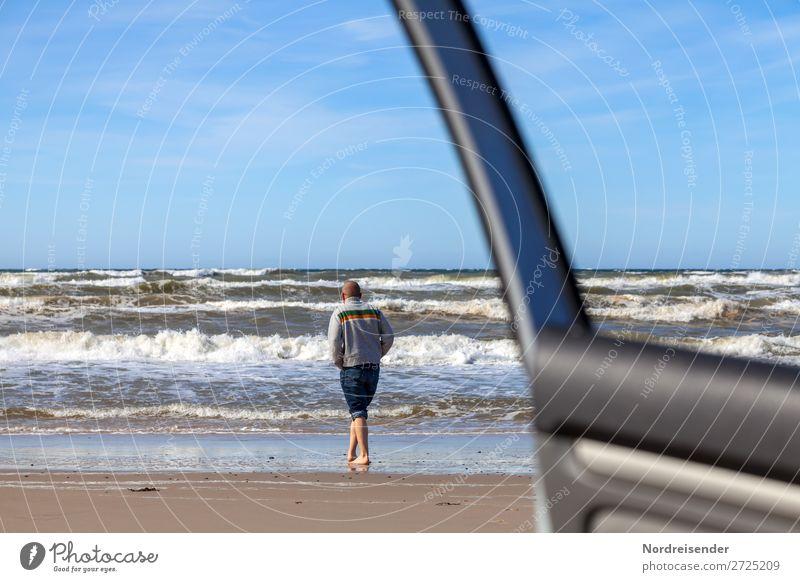Ankommen Mensch Ferien & Urlaub & Reisen Mann Sommer Wasser Meer Ferne Strand Erwachsene Leben Wege & Pfade Tourismus Freiheit wild PKW maskulin