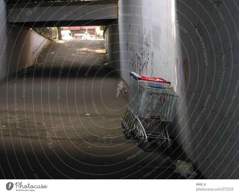 Unterführung Fuß Verkehr Spaziergang Tunnel Bürgersteig Einkaufswagen