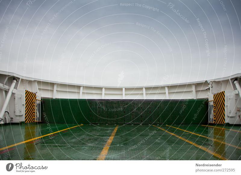 Heckklappe Ferien & Urlaub & Reisen Wege & Pfade Metall Linie Schilder & Markierungen nass Verkehr Beginn Streifen Sicherheit Technik & Technologie Sauberkeit