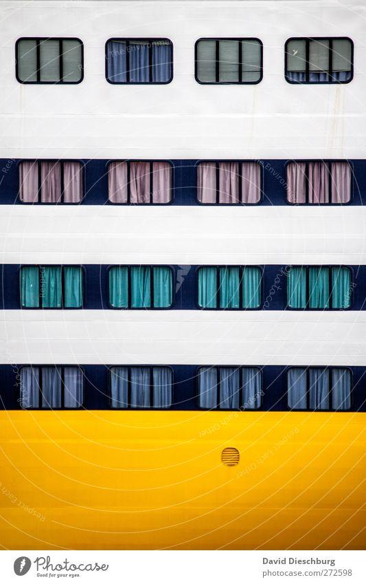 Schlafende Kreuzfahrer Ferien & Urlaub & Reisen Tourismus Kreuzfahrt gelb weiß Fenster Abteilfenster Vorhang Wasserfahrzeug Schifffahrt Linie Rechteck Glas