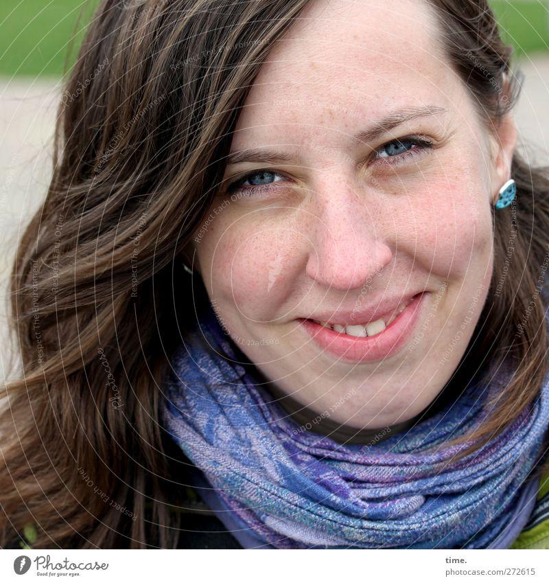 Hiddensee | augenblicklichglücklich Mensch Jugendliche Freude Erwachsene Gesicht Auge feminin Wärme Haare & Frisuren Kopf elegant Mund Nase 18-30 Jahre Fröhlichkeit Lächeln
