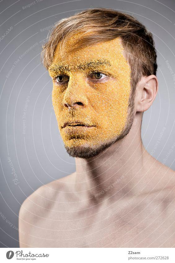 maskiert Grieß Stil Gesicht Wellness maskulin Junger Mann Jugendliche 1 Mensch 18-30 Jahre Erwachsene Maske Haare & Frisuren blond Blick träumen ästhetisch