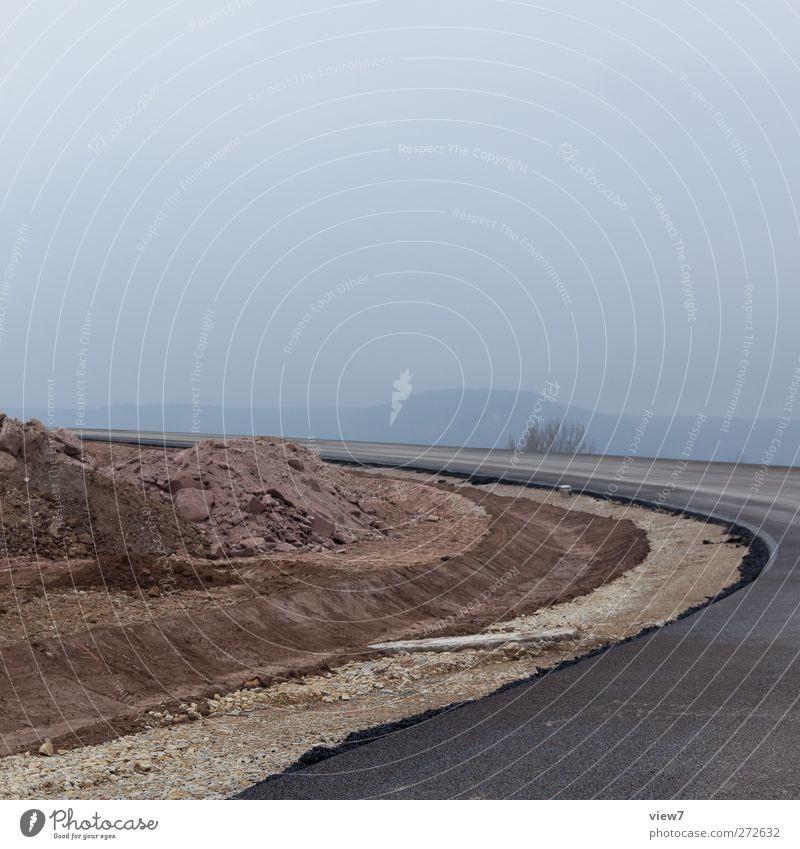 linkskurve Straße kalt oben Wege & Pfade Stein Erde Ordnung Beton Verkehr Beginn modern frisch authentisch Perspektive Baustelle rein