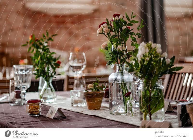 Zu Tisch, bitte !! Mittagessen Geschirr Flasche Glas Blume Zeichen Schilder & Markierungen ästhetisch Freizeit & Hobby Freude Dienstleistungsgewerbe Gedeck