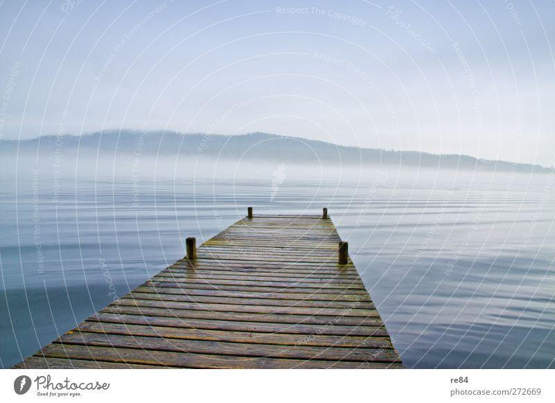 Die Bretter die die Welt bedeuten Natur blau Wasser Einsamkeit ruhig Ferne Umwelt Landschaft Berge u. Gebirge Gefühle Freiheit See braun Stimmung Wellen Kraft