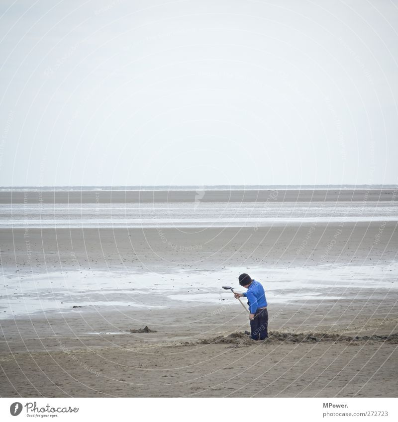 """last """"men"""" standing Mensch Kind Himmel blau Ferien & Urlaub & Reisen Meer Strand Ferne Landschaft Spielen Junge Küste Sand Horizont Kindheit Insel"""